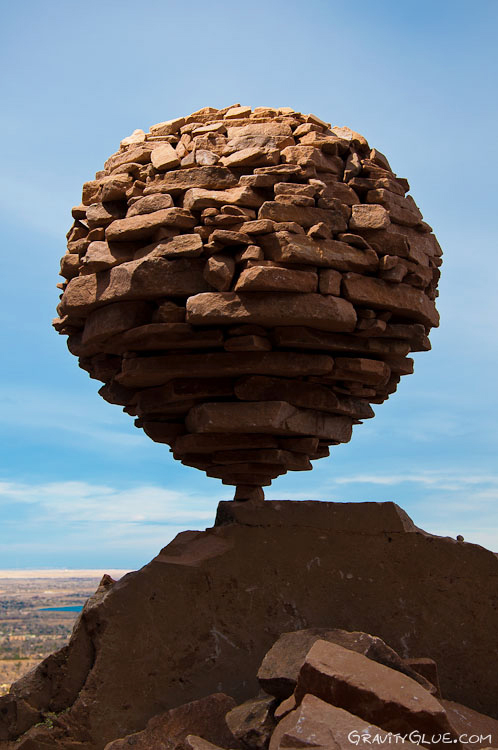 gravity-glue-art-rock-balancing-1