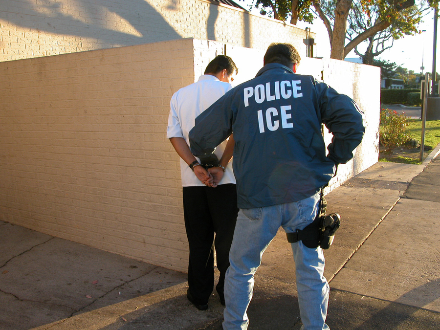 us_immigration_and_customs_enforcement_arrest-900675-eb3b84-1